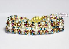 Linsha Extended - Swarovski (BeeJang - Piratchada) Tags: red white green rose gold golden beads crystal handmade jet cream fuchsia ab jewelry bracelet pearl swarovski beading beaded beadwork beadweaving ab2x