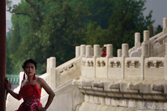 DSC02840 (tomaso.belloni) Tags: china red woman color monument outdoor beijing oriental