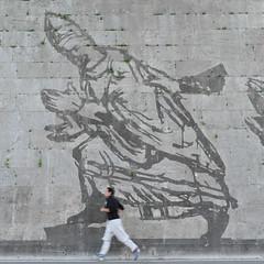 the race (Werner Schnell Images (2.stream)) Tags: street rome roma art race mural william tiber rom ws williamkentridge kentridge 2016 triumphsandlaments
