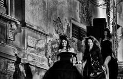 The dark queens (encantadissima) Tags: dark ombre sicilia agrigento scalinata modelle naro sfilatadimoda nikond7000 rifiorata2016