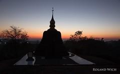 Mrauk U (Rolandito.) Tags: sunset silhouette pagoda asia burma stupa south silhouettes east u myanmar southeast birma birmanie birmania mrauk