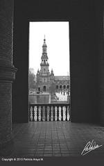 Ventana hacia Plaza de Espaa (Patricia Araya Monsalve) Tags: barcelona madrid street calle sevilla basilica iglesia urbano perspectiva sagradafamilia gotico palaciodecristal elretiro