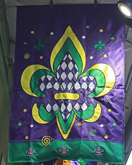 French Quarter - Vieux Carr (Flagman00) Tags: colors flag neworleans frenchquarter bandera fleurdelis banners mardigras thequarter vieuxcarr lanouvelleorlans