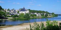 160809 L16 01 Candes (Balades & Randos) Tags: ville toits paysage fleuve loire
