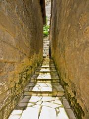 Stufen / Stairs (schreibtnix) Tags: reisen travelling frankreich france sarlatlacanda altstadt oldtown treppe stairs gasse lane schatten shadow olympuse5 schreibtnix