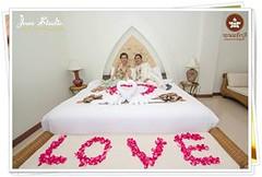 โรงแรมใกล้สนามแข่งรถ, งานมงคลสมรส อ.นางรอง ณ โรงแรมพนมรุ้งปุรี ฉลองเดือนแห่งความรักในเดือนกุมภาพันธ์  ด้วยภาพวีดีโองานแต่งสวยๆของคุณ Liza & คุณ Robert จัดงานช่วงปลายปีในช่วงหน้าหนาว บรรยากาศดีมาก ลมพัดเย็นสบาย