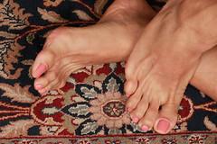 Cassi (IPMT) Tags: pink sexy feet coral foot toes painted peach rosa polish barefoot barefeet pedicure toenails shimmering peachy toenail rosado pedi descalza