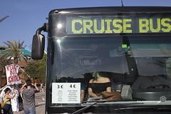 2016_06_05_Harmony of the seas_Oriol Daviu (3) (Fotomovimiento) Tags: barcelona puerto manifestacion trasatlantico turismomasivo fotomovimiento harmonyoftheseas noalturismo