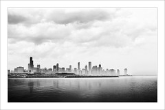Chicago II (ximo rosell) Tags: city sea sky blackandwhite bw chicago blancoynegro skyline architecture buildings illinois arquitectura edificios nikon ciudad bn d750 eeuu lagomichigan ximorosell