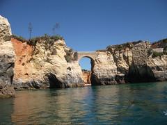 Carvoeiro (Portugal) (gloriafuentesber) Tags: portugal mar turismo arco roca vegetacin relieve carvoeiro ocanoatlntico erosin orografa hidrologa geografafsica