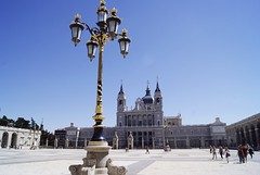 Cathédrale de la Almudena (elyes djazz) Tags: madrid voyage travel castle architecture del court real spring spain king sony may courtyard rey palais espagne filippo cours palacio roi iberico juvarra iberique