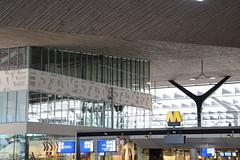 Rotterdam - Centraal Station (corno.fulgur75) Tags: holland netherlands architecture cool rotterdam gare nederland railwaystation centraalstation paysbas niederlande zuidholland hollande gueuze west8 garecentrale centralrailwaystation holandia southholland pasesbajos pasesbaixos paesibassi rterdam roterdo sdholland nizozemsko holandameridional mvsa holandadosul hollandemridionale west8designlandscapearchitecture benthemcrouwelarchitekten olandameridionale mvsaarchitects september2015 driaangueuze jinholandsko holandiapoudniowa