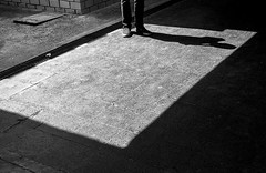 _DSC2769 (Ivn Rubn) Tags: light shadow bw luz monochrome contrast time shapes places sombra bn textures lugares rincones contraste instant gloom formas texturas contemplation corners tiempo instante penumbra monocromtico geometras geometries contemplacin