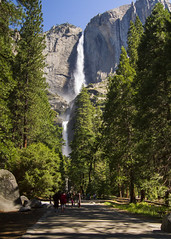 Yosemite Falls (banzainetsurfer) Tags: yosemite valley waterfall water nationalpark unitedstates america nature light geology travel landscape popular famous california northerncalifornia sierranevada