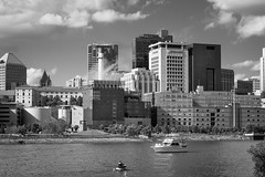 20160813-DSC02525 (POV Heartland) Tags: saintpaul minnesota twincities city urban river mississippiriver skyline buildings water summer boat sony a6300 fe1855 zeiss carlzeiss sonyalpha
