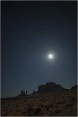 Monument Valley  v001 (Ezcurdia) Tags: monumentvalley utah arizona usa eeuu navajo tsebiindisgaii limolita navajotrivalpark johnfordpoint