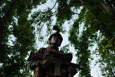 Disfraz de valiente (Alonso Henrquez) Tags: militar soldado milico ejrcito disfraz camuflaje expocol feria sanfernando parqueabelbouchon fotoperiodismo documental regindeohiggins colchagua chile x100 fujifilmx100 alonsohenrquez