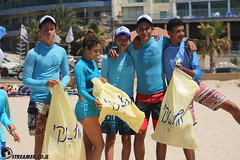 IMG_8766 (Streamer -  ) Tags: ocean sea people green beach nature students ecology up israel movement garbage sunday north group young cleanup clean teen shore bags  nonprofit streamer  initiative enviornment    ashkelon          ashqelon   volonteers      hofit