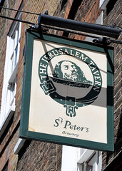 'The Jerusalem Tavern' (EZTD) Tags: england urban london photo pub nikon foto photos walk may photographs fotos londres angleterre exploration londra boozer pubsign anglia londonist fotograaf 2015 jerusalemtavern nikond90 walklondon eztd eztdphotography photograaf may2015 cattowalk