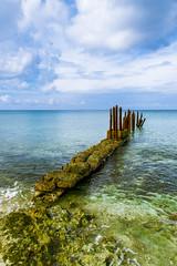 Embarcadero Viejo (1mrz) Tags: blue sky costa verde green azul puente mar cuba paisaje cielo caribe granfoto fotosdetusviajes