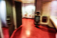 L'aroport  8 (Fabrice Le Coq) Tags: ghost wc couleur toilettes intrieur floue aroport fantmes fabricelecoq