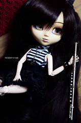 Play the flute for us | Pullip Zuora (Kumo~Milk^^) Tags: pullip zuora scarlett rewigged wig eyelashes obitsu doll junplanning groove gloss flute instrument gothic