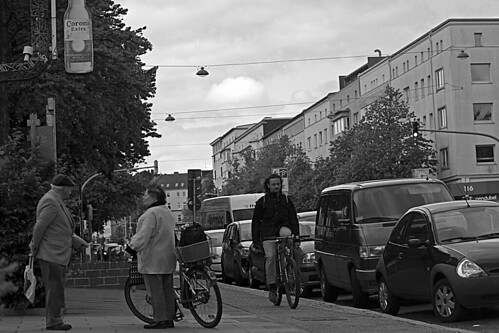 """Treffen  (1) BW • <a style=""""font-size:0.8em;"""" href=""""http://www.flickr.com/photos/69570948@N04/17939802319/"""" target=""""_blank"""">View on Flickr</a>"""