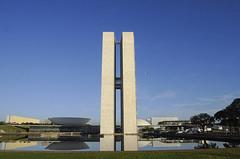Fotos produzidas pelo Senado (Senado Federal) Tags: sol braslia brasil df bra senado amanhecer impeachment externa cpulas congressonacional espelhodgua
