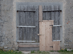 this way in (stefelix) Tags: door wooden entrance stable stefelix