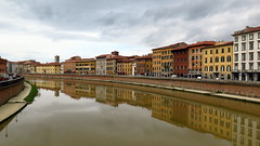 Livourne (LILI 296....) Tags: water gris canal eau reflet ciel nuage paysage maison italie livourne croisiredefrance canonpowershotg16