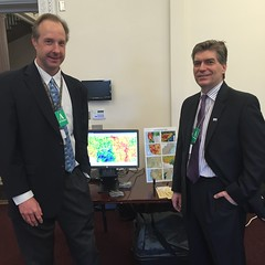 Eric Luebehusen and Mark Brusberg, from USDAs Office of the Chief Economist at White House Water Summit (USDAgov) Tags: water whitehouse tools drought unitednations data climatechange oce adaptation resilience worldwaterday partnerships nationaldroughtmonitor