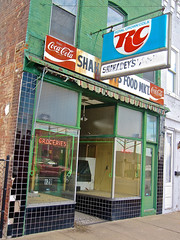 Shahadey's Food Market, Terre Haute, IN (Robby Virus) Tags: food sign store closed cola market indiana business signage grocery rc terrehaute shahadeys
