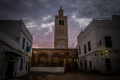 Tunis Medina Mosque (Adri Pez) Tags: building tunisia tunis great edificio mosque medina historical gran tunisie tnez histrico mesquita