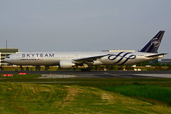 F-GZNT (Air France - SKYTEAM) (Steelhead 2010) Tags: boeing airfrance yyz freg b777 skyteam b777300er fgznt