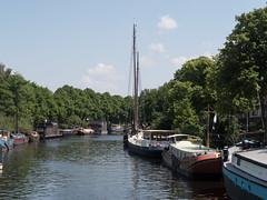 Reitdiep vanaf de Herman Colleniusbrug (Jeroen Hillenga) Tags: water netherlands canal kanaal groningen stad reitdiep woonboten watergang woonschepen hermancolleniusbrug