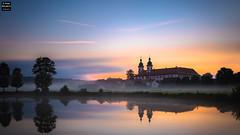 Summer Day Dawning (Tobias Neubert Photography) Tags: speinshart kloster monastery klosterspeinshart dawn morgendmmerung wasser water nebel fog spiegelung reflection oberpfalz upperpalatinate deutschland germany