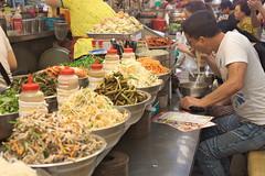 Korean lunch time (Mathieu Sanchez) Tags: djeuner repas restaurant nourriture core