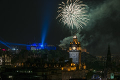 Edinburgh Castle Fireworks 2016 (Colin Myers Photography) Tags: edinburghfireworks edinburghcastlefireworks edinburghfestivalfireworks edinburgh castle fireworks balmoral calton tattoo military display laser lasers beam scotland scottish edinburghfestival caltonhill awesome dispaly