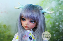 in stock items for tomorrow's update (Sparrow ) Tags: love point four beads blues chloe pearls antlers whites custom beading ts jointed littlefee