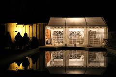 Le barnum et sa piscine by night_Varaignes_Dordogne (Hlne (HLB)) Tags: camping light france reflection pool night swimming nacht lumire dordogne prigord soire fte amis reflexion nuit piscine tente barnum veille varaignes