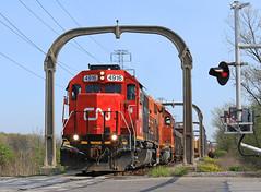 GTW 4916 (GLC 392) Tags: road park railroad mi cn train allen michigan detroit railway grand arches canadian toledo national western trunk 102 elgin oakwood eastern oj joliet goddard dearborn gtw eje dti 656 emd gp382 ironton 4916 sd382 sd383