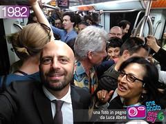 Foto in Pegno n 1982 (Luca Abete ONEphotoONEday) Tags: roma me underground 1982 gente metro 4 metropolitana viaggio maggio selfie pendolari 2016 sorrisi folla