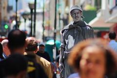 Estátua viva - Centro de Porto Alegre (Thiago Fotografias) Tags: brasil portoalegre estatua rs homem riograndedosul cultura tinta pintura calor gaucho tradição artistaderua cartãopostal vestimentas laçador