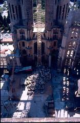 Barcellona -  Sagrada Familia 1984 (frank28883) Tags: barcelona chiesa catalunya sagradafamilia barcellona spagna torri cattedrale catalogna cantiere