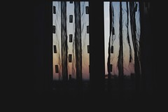 Paolo's window (ognidestinosipuocambiare) Tags: sunset window canon photography tramonto photographer shades finestra photograph sfumature canonphotography canon1200d