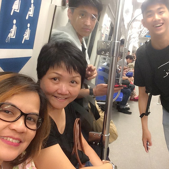 11 pm with our #ROHEItrainer and the #ROHEIinterns #train #smrt #fridaynight