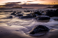 Sunrise Cook Island Fingal (StuCrawford) Tags: ocean sunrise rocks long exposure waves australia newsouthwales goldcoast cookisland fingalheads