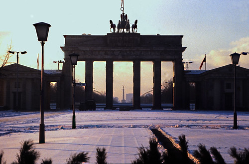 "23 Berlin-Klassenfahrt 1978: Brandenburger Tor (Ostberlin) • <a style=""font-size:0.8em;"" href=""http://www.flickr.com/photos/69570948@N04/18163181628/"" target=""_blank"">View on Flickr</a>"