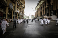 Walking with Iman (faisolreload) Tags: street city people canon daylight cloudy indian islam religion middleeast arab daytime arabian saudiarabia melayu umrah compact islamic makkah alharam g7x