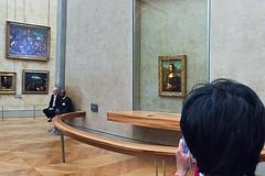 """Mona Lisa"" Behind Glass (AntyDiluvian) Tags: trip paris france glass museum gallery louvre monalisa davinci barrier leonardo guards behindglass 2015"